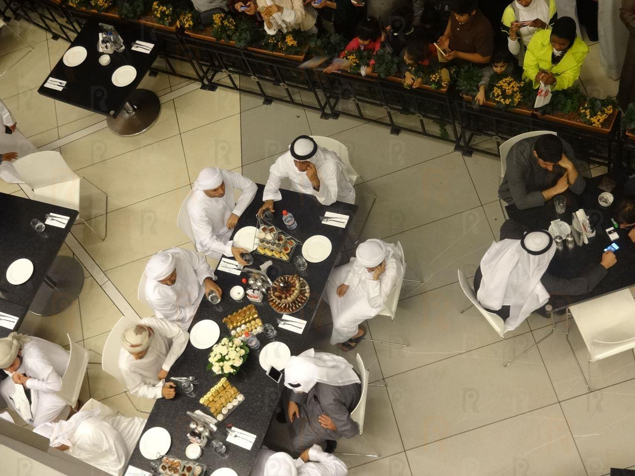 Exclusive photos ... Prince Fazza's visit to the Avenues mall