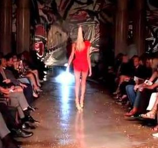 What happens when a model looses control on Catwalk?
