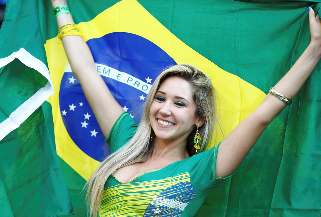 Hot ladies that set 2014 Brazilian World Cup on fire