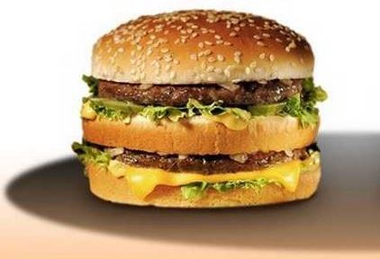 Comparison between an Ad burger and a real burger