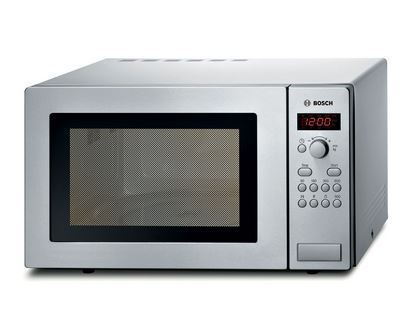 Is putting a metal object in the microwave dangerous?