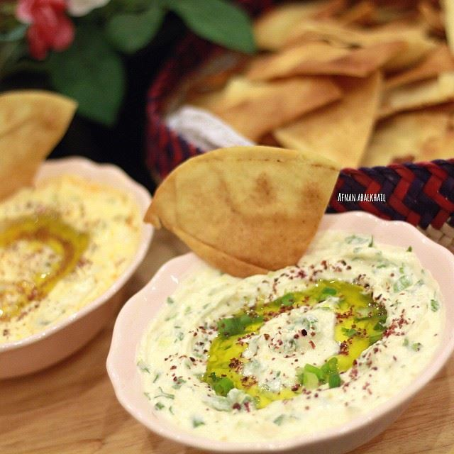 Hummus with Labneh dipping recipe