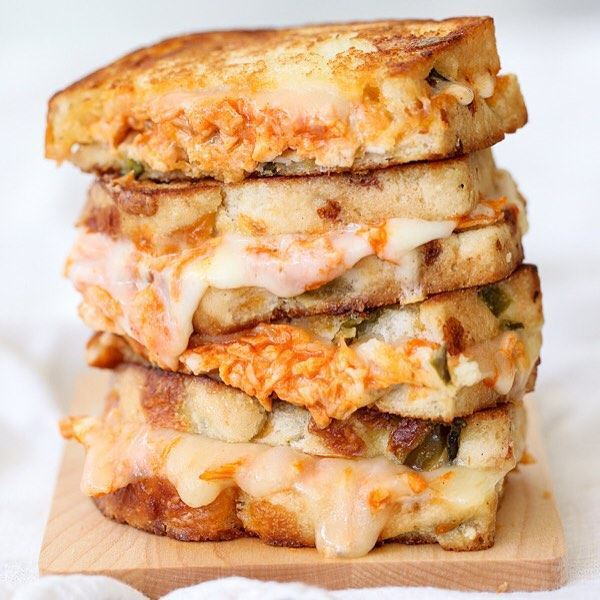 How to Prepare Buffalo Chicken Grilled Cheese